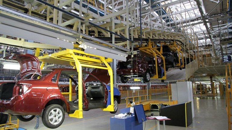 Производство легковых авто в России выросло на 25%