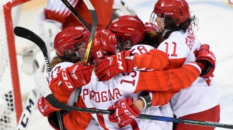 Русские хоккеистки победили Швейцарию ивышли вполуфиналОИ