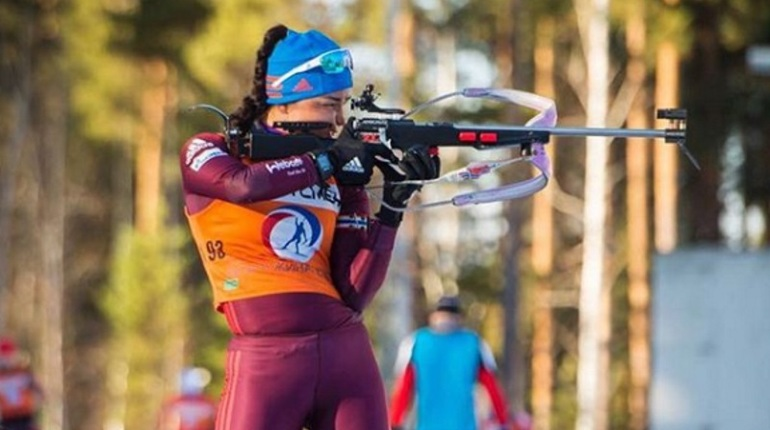 Олимпийская чемпионка усомнилась в будущем упавшей на ОИ биатлонистки