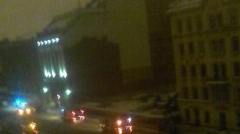 Ночью 19 февраля на Лиговском проспекте и примыкающим к нему улицам пропал свет. Без электричества остались жильцы не менее шести зданий.