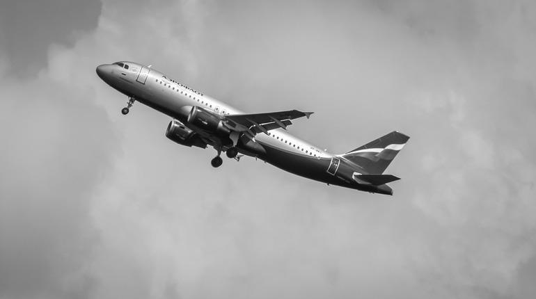 «Аэрофлот» прокомментировал инцидент с главой Якутии в самолете