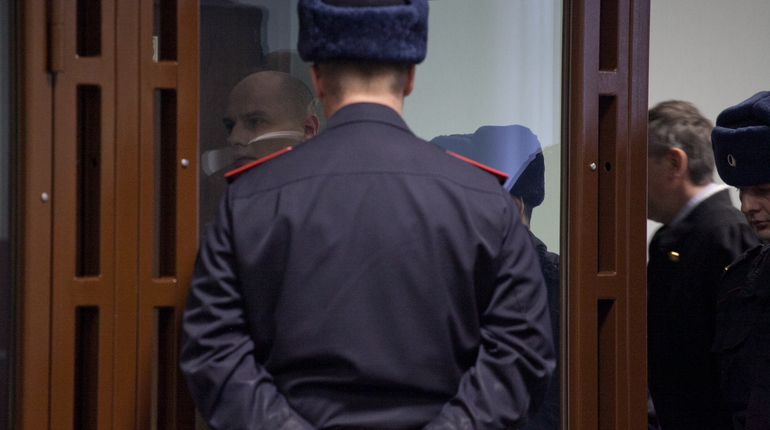 Ради похищения денег петербуржца два дня продержали на привязи и пытали