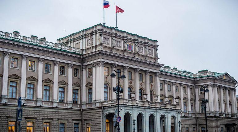 Депутаты Петербурга хотят штрафовать чиновников за волокиту с документами
