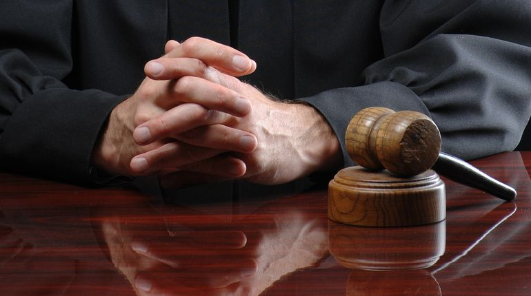 Суд Петербурга вернул генпрокурору дело Барсукова-Кумарина