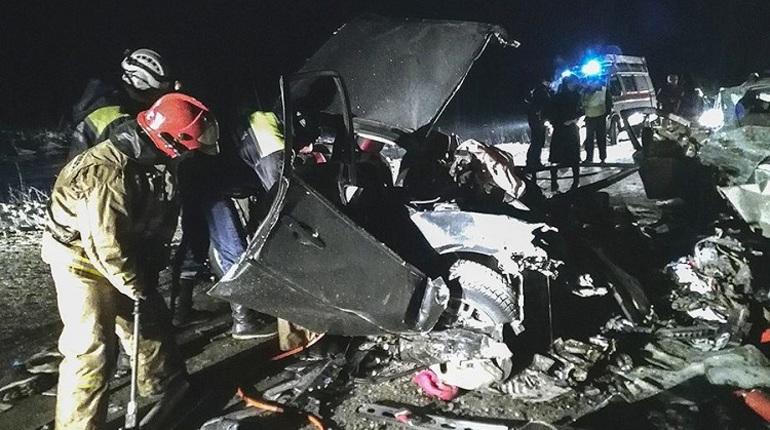 Погибло 6 человек в крупном ДТП в Кузбассе