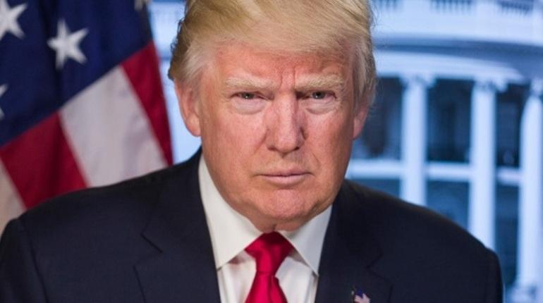 Трамп пошутил про свою залысину