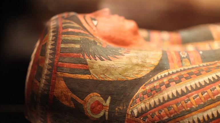 Египетские археологи нашли мумий в драгоценностях