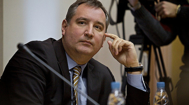 Рогозин сообщил оподписании президентомРФ новой госпрограммы вооружения