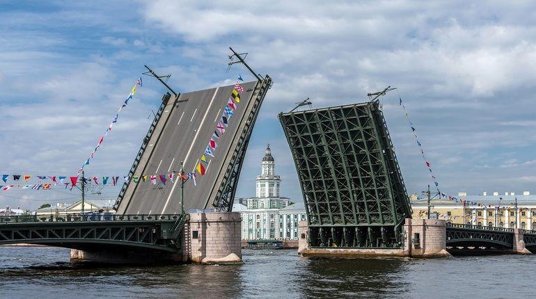 Мосты в Петербурге разводили более 1,5 тысяч раз