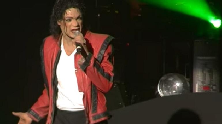 Двойник Майкла Джексона выступил вПетербурге