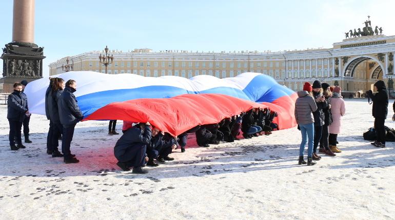 В Петербурге стартует флешмоб «Санкт-Петербург принимает гостей»