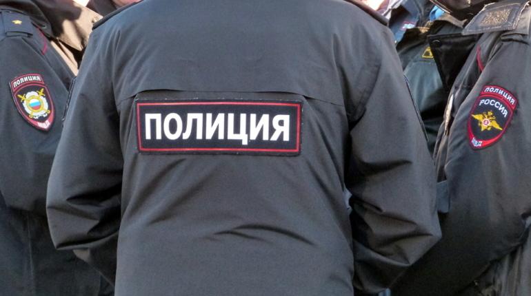 У бизнесмена из Петербурга отобрали крест стоимостью 400 тысяч рублей