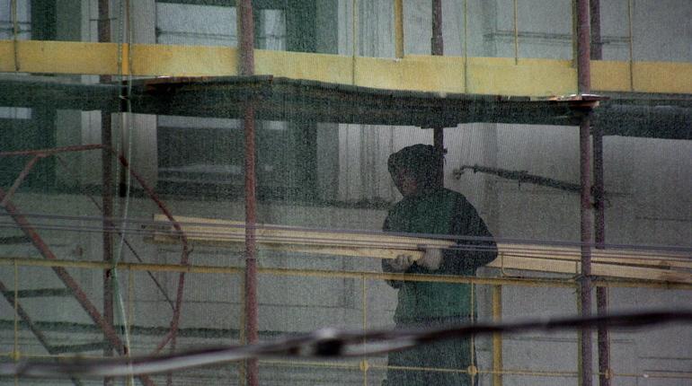 Тело 48-летнего уроженца Белоруссии нашли на территории строительной площадки ООО