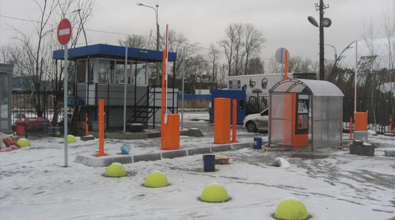 Наступление роботов в Петербурге оставило без работы сотрудников автостоянок