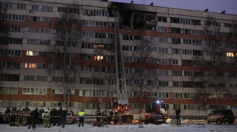 Жители двух подъездов взорвавшегося дома на проспекте Народного Ополчения вернулись в свои квартиры