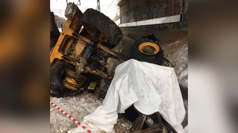 На Ярославском направлении МЖД столкнулся пригородный поезд и трактор
