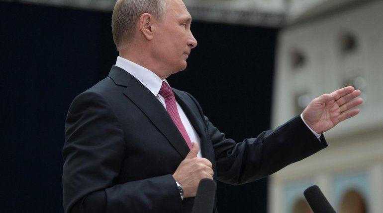 Путин напомнил работникам автотранспорта, что от их работы зависит качество жизни людей