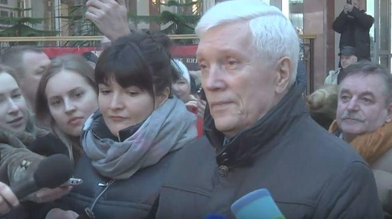 С самого утра в Минске собралась толпа избирателей