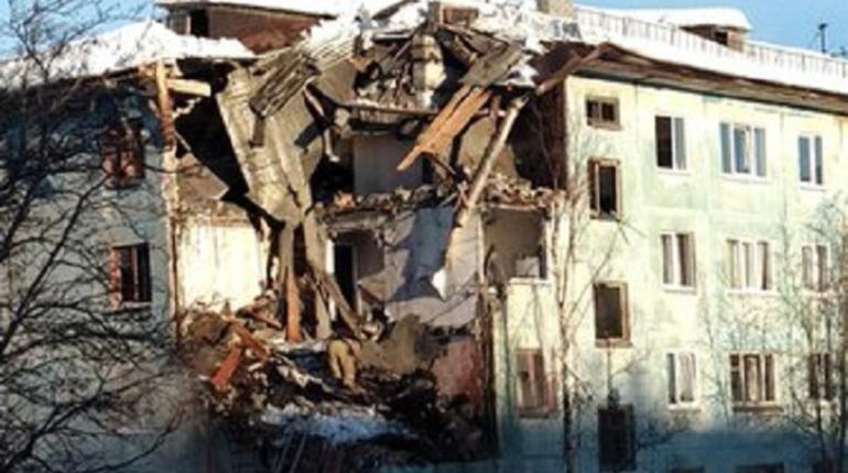 В Мурманске из-за взрыва газа сложился жилой дом