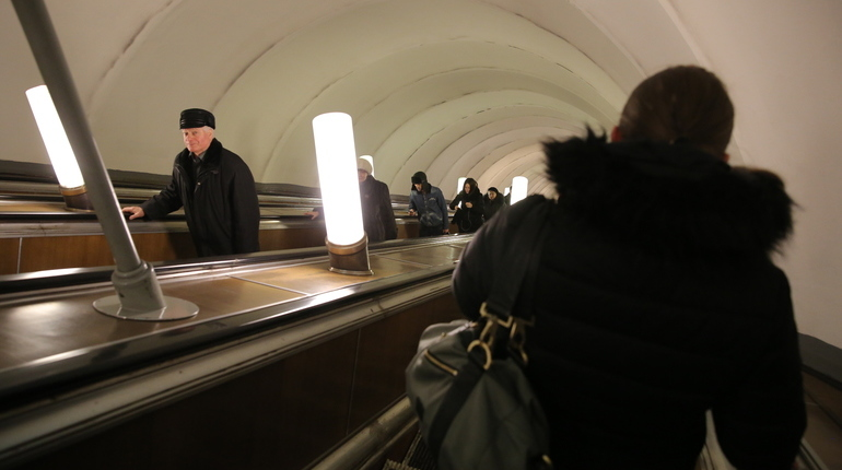 ВСеверной столице закрыли вторую станцию метро задень