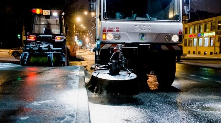 В северной столице дорожные службы подготовятся куборке города