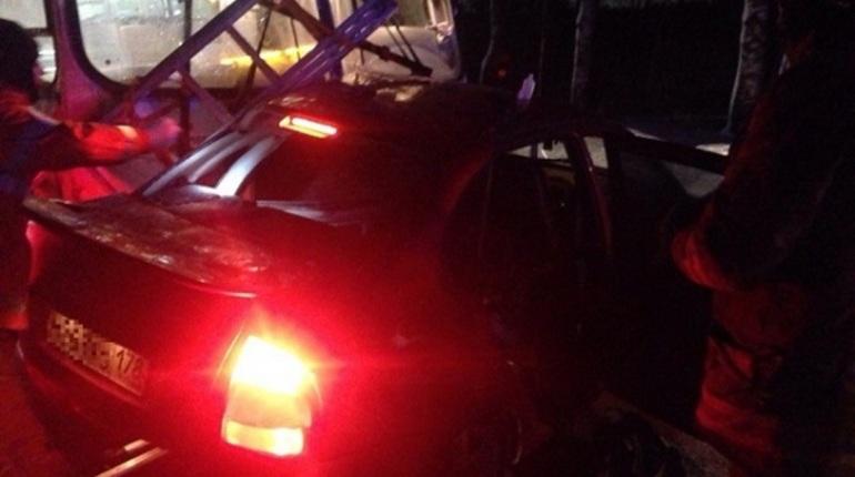 Под Петербургом в трагедии между маршруткой и«легковушкой» пострадали люди