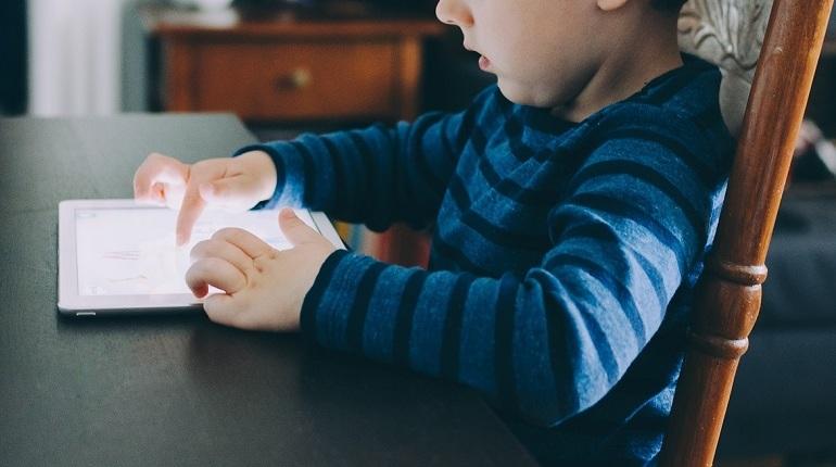 Apple выпустит дешевые планшеты для школьников