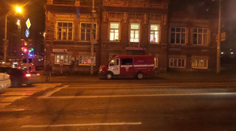 11 огнеборцев тушили пожар в «двушке» на Большой Пороховской
