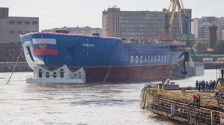 На Балтийском заводе спустили на воду первый в серии атомный ледокол проекта 22220