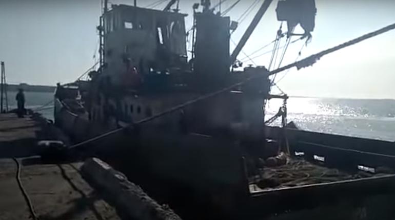 Владелец судна, схваченного украинскими пограничниками, просит помощи уЛаврова