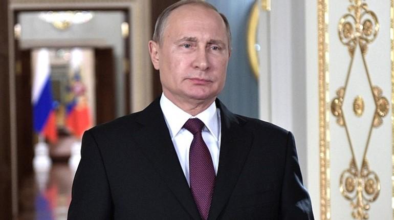 Путин прибыл вКемерово, чтобы почтить память погибших впожаре