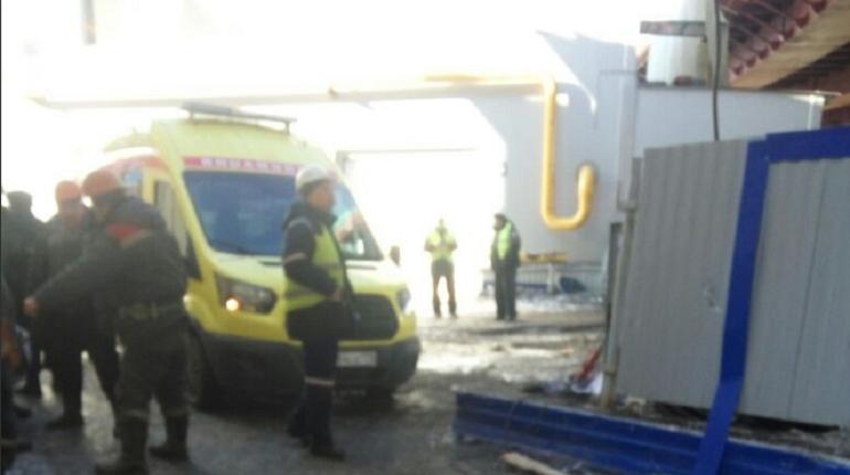 Очевидцы: с моста через Серный остров сорвался рабочий