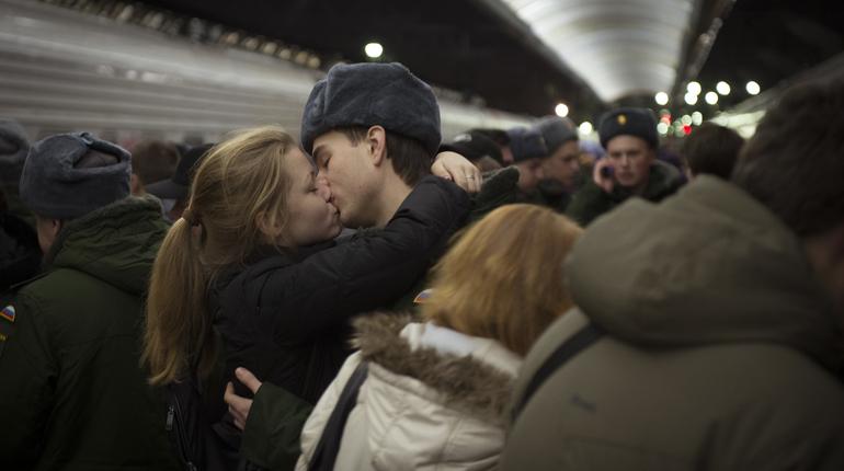 Весной призывников в Петербурге будут искать в вузах и офисах