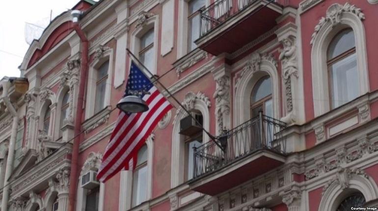 Россиянам посоветовали выбрать, вкаких городах стоит закрыть генконсульства США