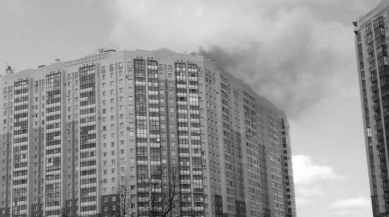 Впожаре наКоломяжском несколько человек отравились дымом