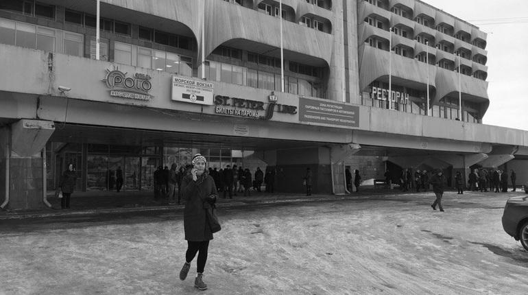 ВПетербурге эвакуировали Морской вокзал из-за бесхозного предмета