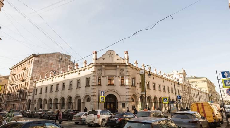 Смольный одержал победу суд уоператора Кузнечного рынка