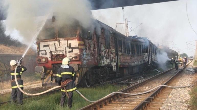 ВБолгарии тушили пожар впассажирском поезде «София— Бургас»