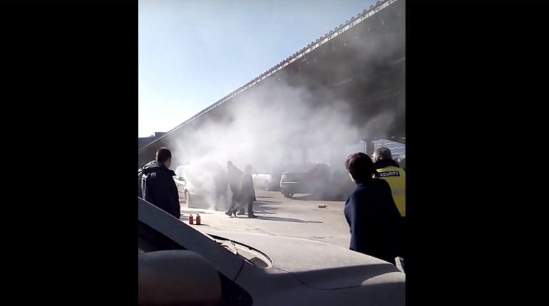 За день в Петербурге пожарные потушили две машины