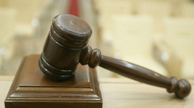 Петербурженке вынесли приговор за избиение знакомой наличником