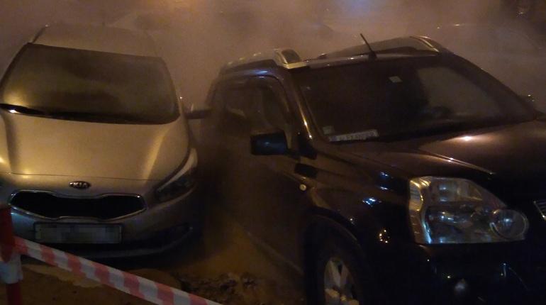 НаЛенинском проспекте Петербурга прорвало трубу скипятком
