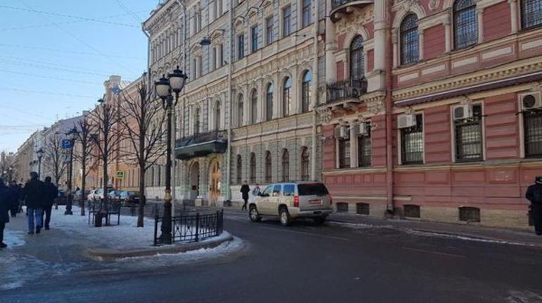Прекратившее работу вПетербурге Генконсульство США поSMS сообщило оботмене записей