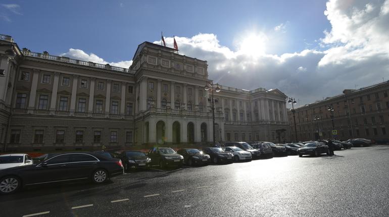 ВПетербурге небудут выбирать новых почетных жителей