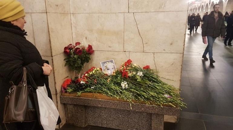 Фигурантам дела о теракте в петербургском метро продлили арест
