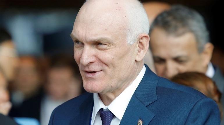 Судья назначила экспертизу статей про ректора Горного университета