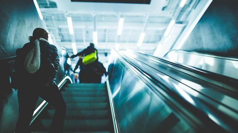 "Упавший пассажир остановил ""оранжевую"" ветку метро"