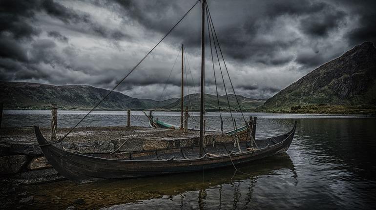 Ученые раскрыли тайну солнечного камня викингов