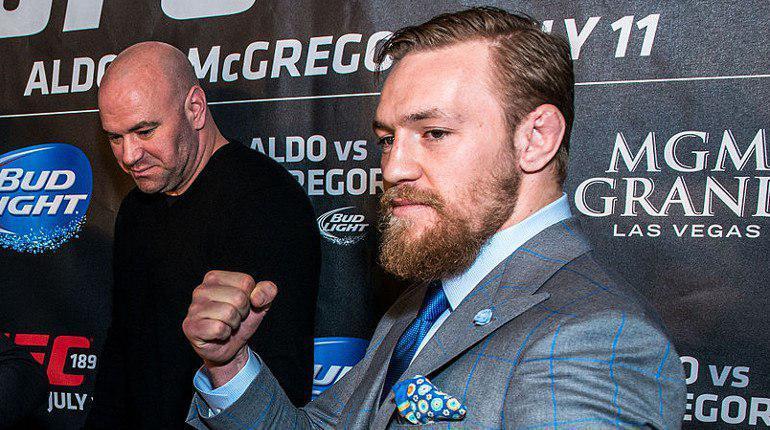 Ирландский боец смешанного стиля (MMA) Конор Макрегор предстанет 6 апреля в Нью-Йорке перед судом по обвинению в нападении на автобус. В салоне транспорта находились бойцы Абсолютного бойцовского чемпионата (UFC).