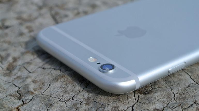 В России продолжается резкое падение цен на флагманы Apple и Samsung  iPhone 8 Plus и Samsung Galaxy S9.
