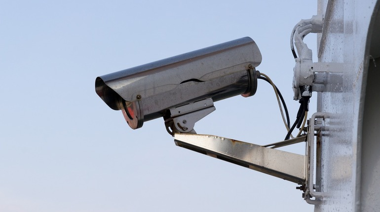 Для борьбы снезаконной торговлей вПетербурге могут использовать видеонаблюдение
